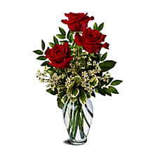 Three Red Roses Bunch: Love Gifts to Australia