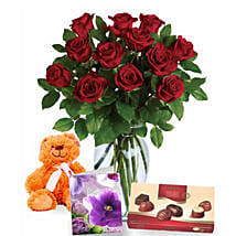Valentine Love Expression Combo: Flowers N Chocolates to Australia