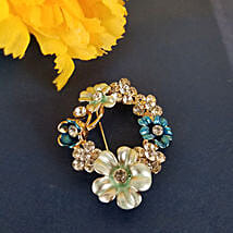Glamorous Brooch: Send Anniversary Gifts to Canada