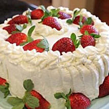 Luscious Strawberry Cake: Cake Delivery in Canada