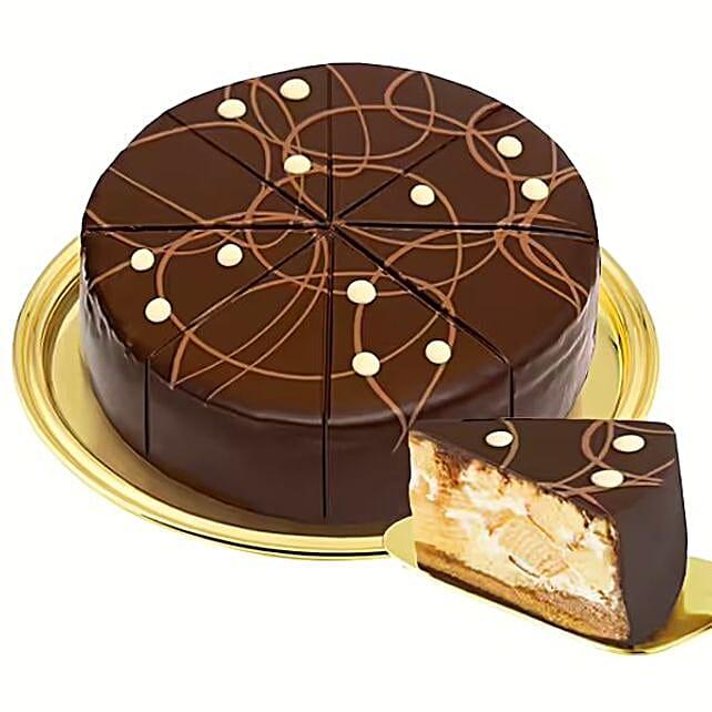 Dessert Pyramid Cake