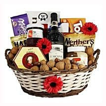 Classic Sweet Gift Basket: Send New Year Gifts to Germany
