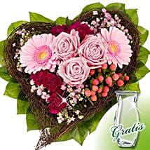 Flower Bouquet Herzenswunsch: Send Gifts to Frankfurt