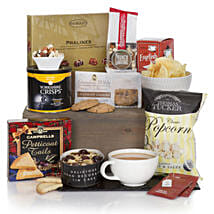 Gourmet Delights Hamper: Christmas Gift Delivery Germany
