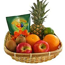 Our Fruity Gift Basket: Send New Year Gifts to Germany