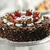 Black Forest Cake With Strawberry: Cake Delivery in Kuwait