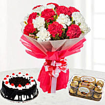 Bright And Romantic Gift Combo: Mothers Day Cakes in Kuwait