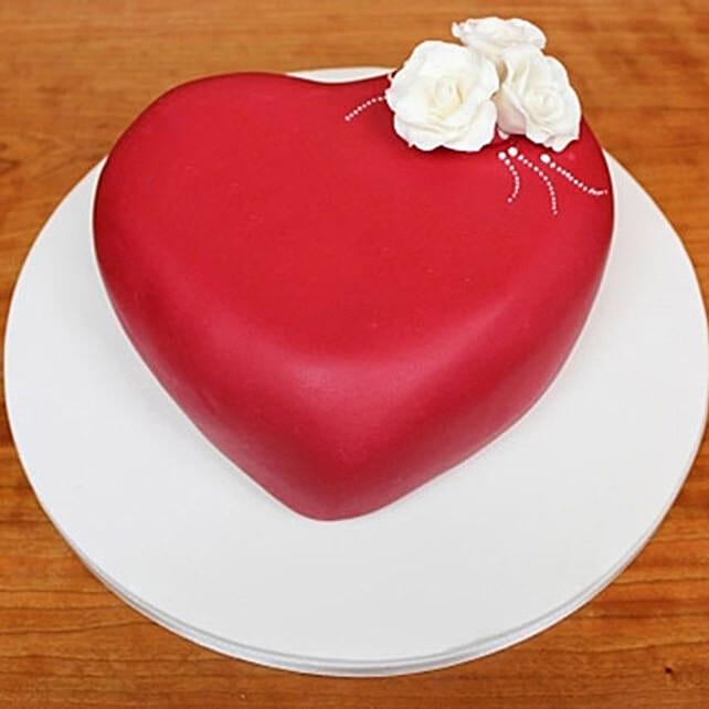 Blossoming Love Cake 2kg Vanilla Eggless