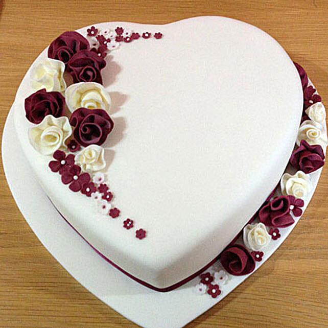 Divine Heart Cake 1kg Eggless Vanilla