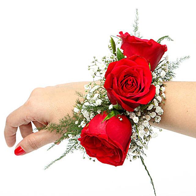 red rose fresh flower bracelet | gift a floral bracelet of red roses