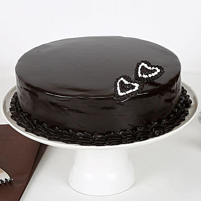 Rich Velvety Chocolate Cake Half kg Eggless