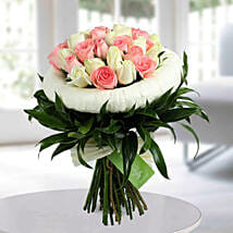 Appealing Pink N White Roses Bunch: Send Flowers to Kolkata