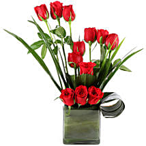 Beautiful Red Roses Vase Arrangement: Red Roses