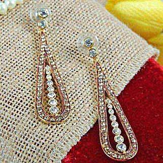 Brighten Up Earrings: Karwa Chauth Gifts to Jalandhar