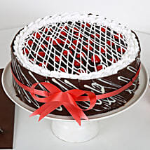 Chocolate Cherry Cake: Designer Cakes to Mumbai