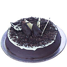 Chocolate Chip Cake: New Year Cakes Ahmedabad