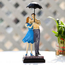 Cute Valentine Day Couple Showpiece: Anniversary Gifts to Mumbai