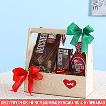 Delightful Hershey's Wooden Basket: Gourmet Gifts for Him