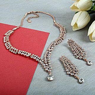 Intensify Beauty Jewelry Set: Karwa Chauth Gifts Chandigarh