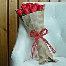 Pretty Red: Flowers delivery in Vapi