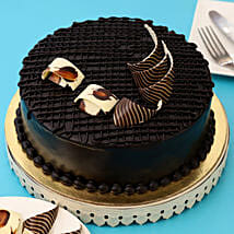 Rich Chocolate Splash Cake: Cake delivery in Kamrup