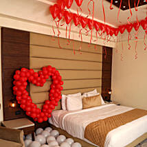 Romantic Balloon Decor: Cake Delivery in Shantipur