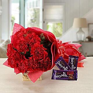 Splendid Combo: Flowers & Chocolates for Wedding