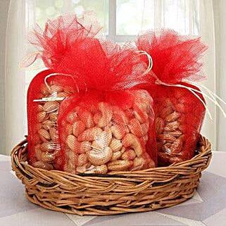 Sure to Wonder: Send Karwa Chauth Gift Hampers