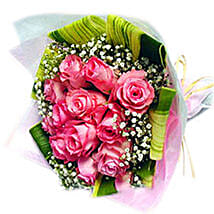 An Enchanting Rose Bouquet: Mothers Day Flowers to Malaysia
