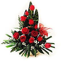 Splendid Rose Arrangement: Christmas Gifts Delivery In Malaysia