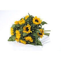 Bright Sunflower Bouquet: Send Gifts to Hamilton