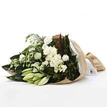 Classic White Flowers: Send Gifts to Hamilton