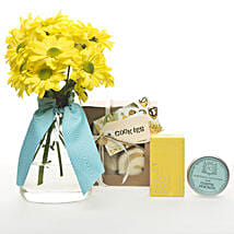 Golden Delight Hamper: Flower Delivery Wellington