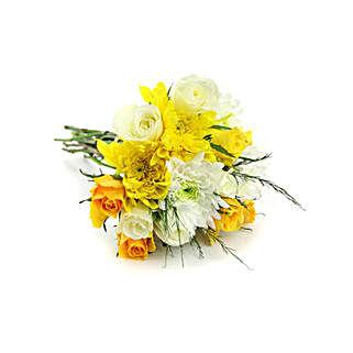 Blooms of Sunshine: Valentine's Day Flowers to Qatar