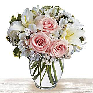 Serene Wonder: Valentine's Day Flowers to Qatar