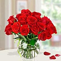 15 Red Roses Arrangement: Roses to Saudi Arabia