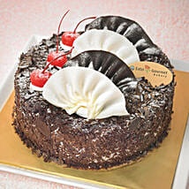 Yummy Black Forest Cake: Anniversary Cakes to Singapore