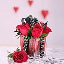 Red Roses All Tied Up: Rose Day Gifts to South Africa