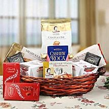 A Delightful Present: Christmas Gift Baskets to UAE