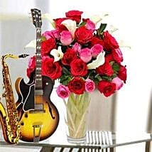 A song and flowers for love: Flowers & Guitarist Service UAE