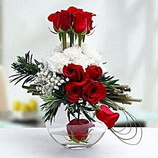 Absolute Chic: Same Day Flower Arrangements in Dubai UAE