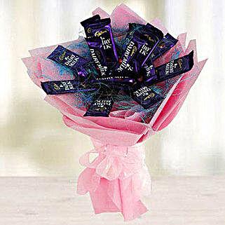 Chocoholics: Christmas Gifts for Kids to UAE