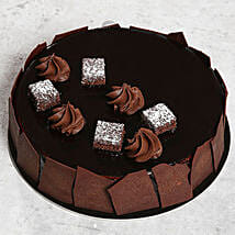 Chocolate Sponge Cake: Send Gifts to Ras Al Khaimah