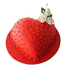 Classic Heart Cake: Valentine's Day Gifts to UAE