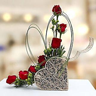 Emerald Beauty: Flower Arrangements to UAE