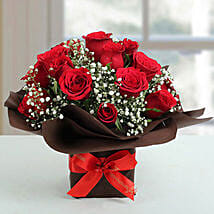 Mon Amour Rose Arrangement: Valentine's Day Gifts to UAE