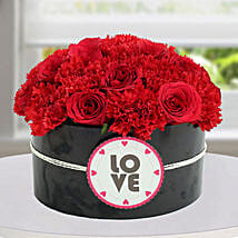 Passionate Red Flower Arrangement: New Arrival Gifts to UAE