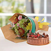 Royal Flower Bouquet With Chocolate Fudge Cake: Anniversary Flower N Cake to UAE