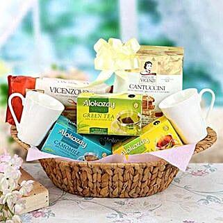 The Morning Sunshine: Eid Gift Baskets to UAE