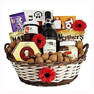 Classic Sweet Gift Basket: Gift Baskets in London, UK
